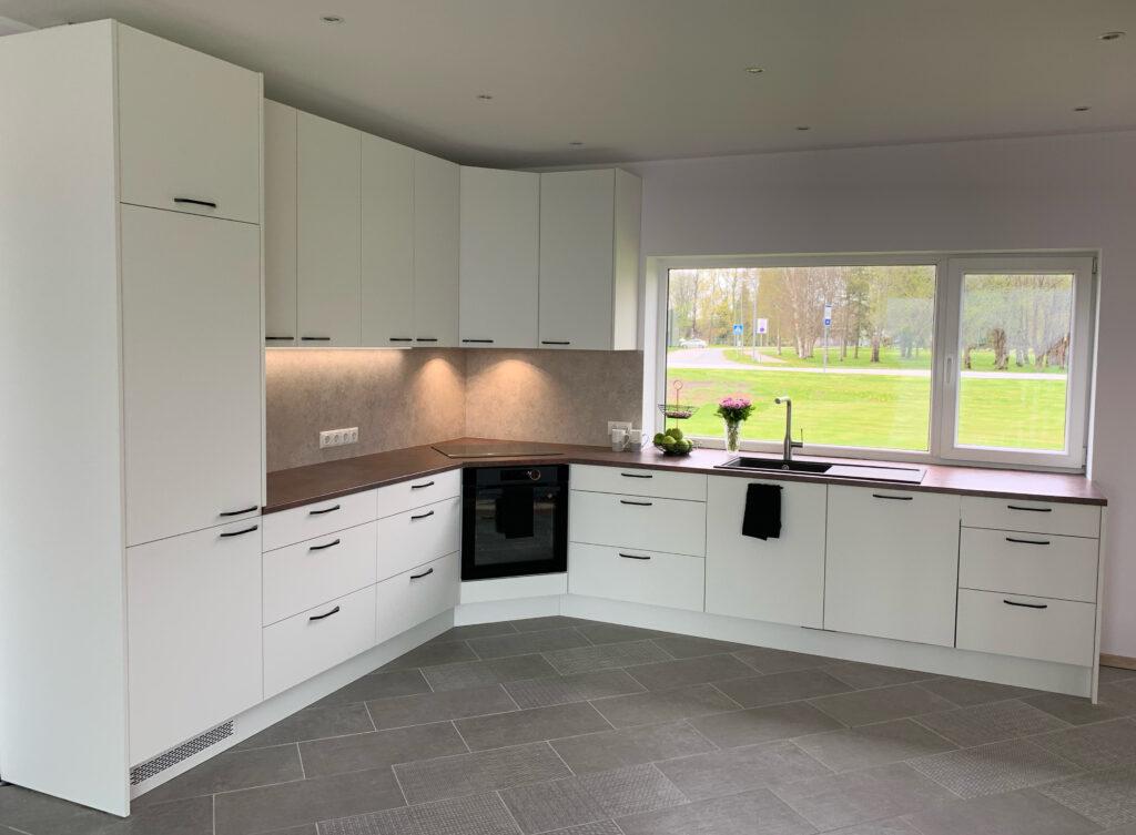 valge nano köögimööbel 1