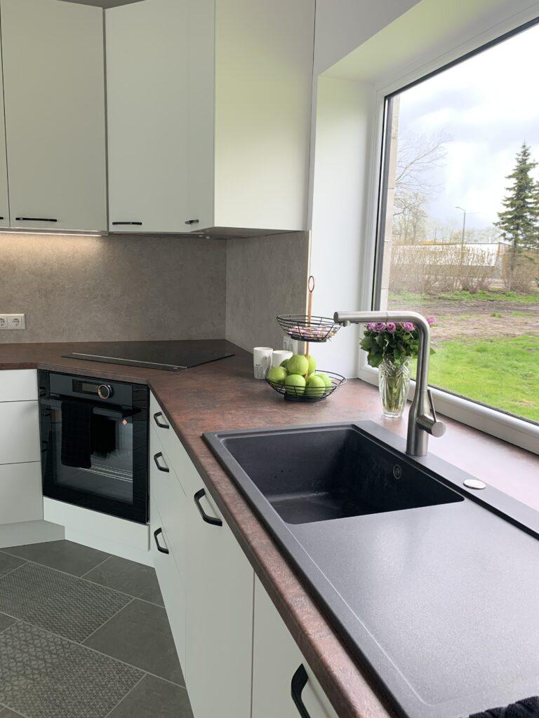 valge nano köögimööbel 2