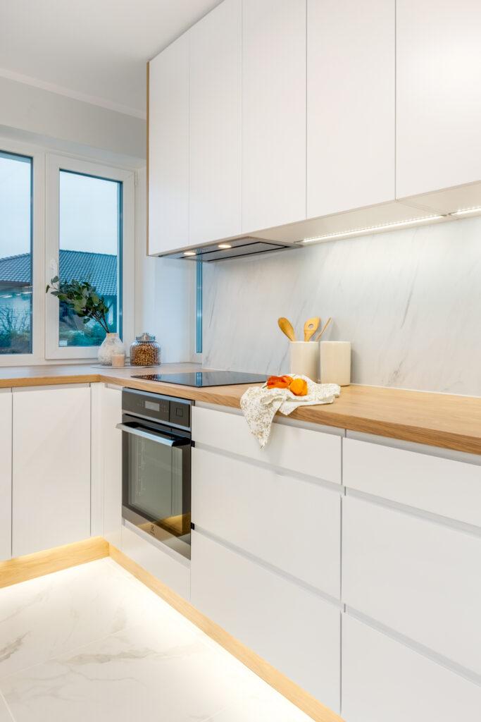 valge köögimööbel 10
