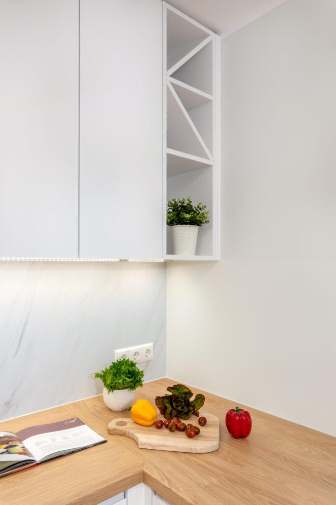 valge köögimööbel 13