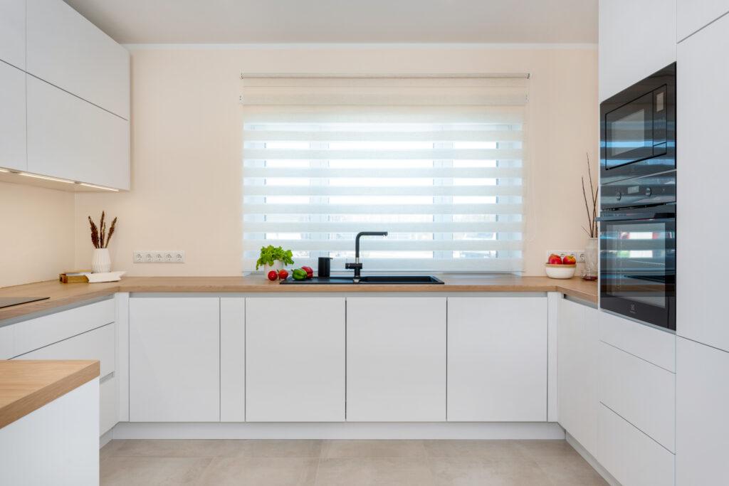 Avar valgusküllane köök 1 - köögimööbel24