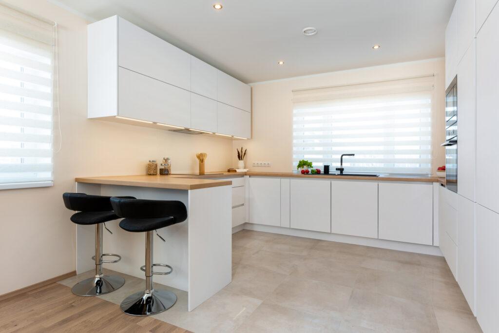 Avar valgusküllane köök - köögimööbel24